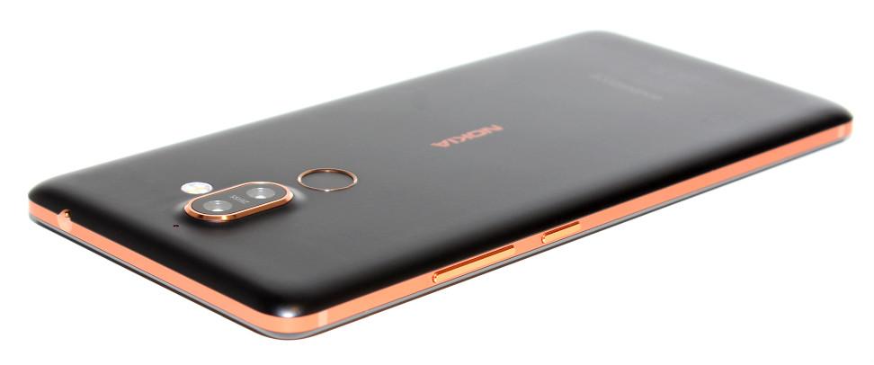 Nokia 7 Plus bakside