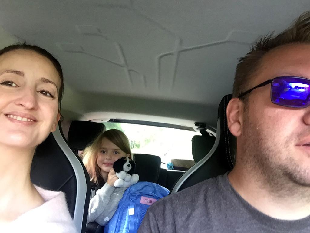 Hele familien på tur i Renault Zoe