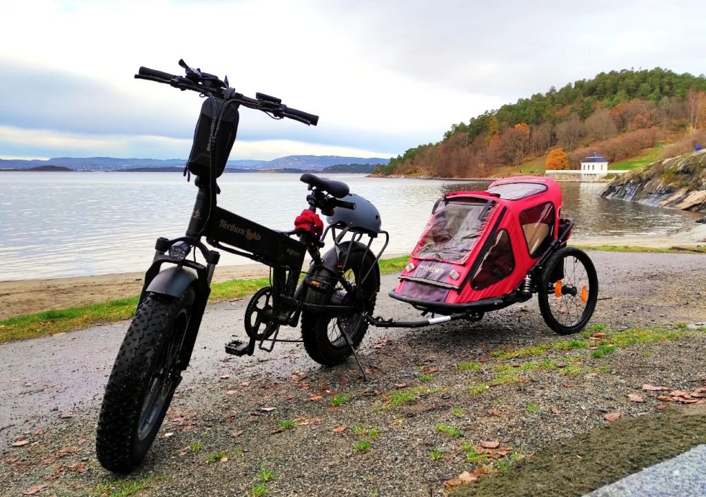 Min sykkel med sykkelvogn på Hvervenbukta