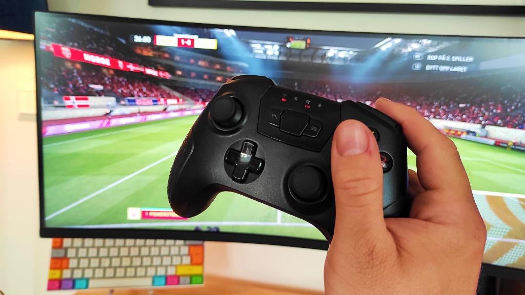 Sparkfox Atlas Wireless kontroller og FIFA 2021